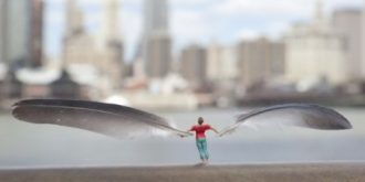 "The Latest Work Of Slinkachu ""Fly"""