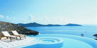 10 Breathtaking Pools Around the World